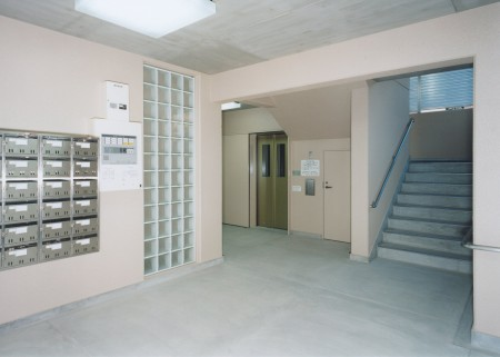 img-7.エントランスホール
