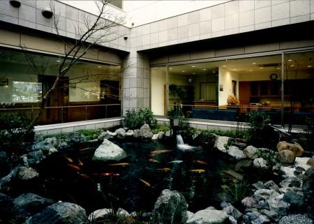 1階 中庭
